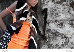 maglietta: vintage // reggiseno: parah // collana oro: danae roma // collana turchese: danae roma // sciarpa: vintage