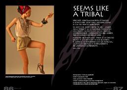 foulard in seta stampata // stylist's own | canotta di tulle in rete archivio  // ex merceria pantaloncini di nappa vintage // pifebo | bijoux // ex merceria | scarpe // pinko